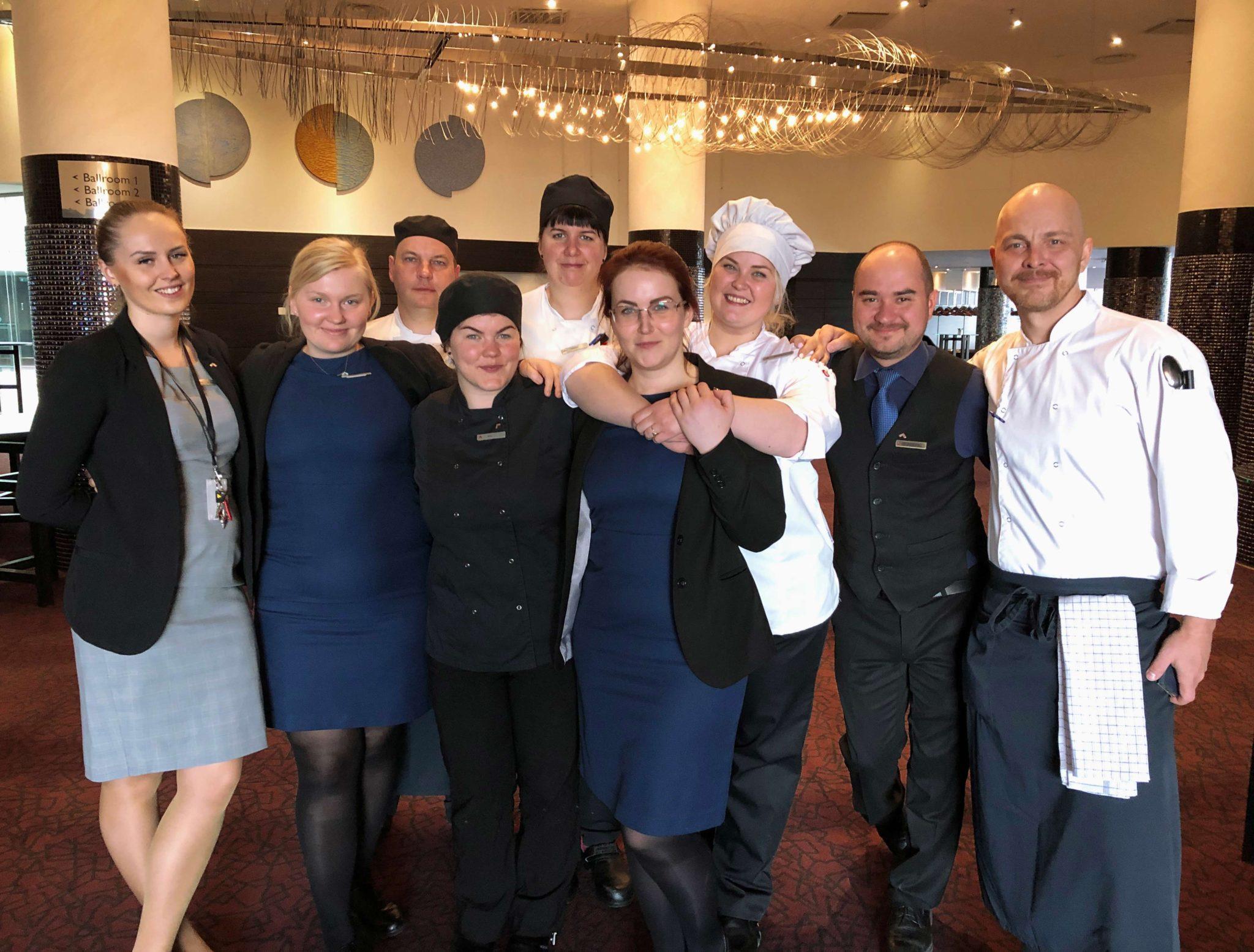 Swissotel Tallinna kokad valmistasid SOS Lasteküla lastega toidujääkidevaba (zero waste) lõunasöögi